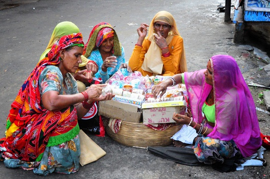 Ladies shopping, Pushkar, India