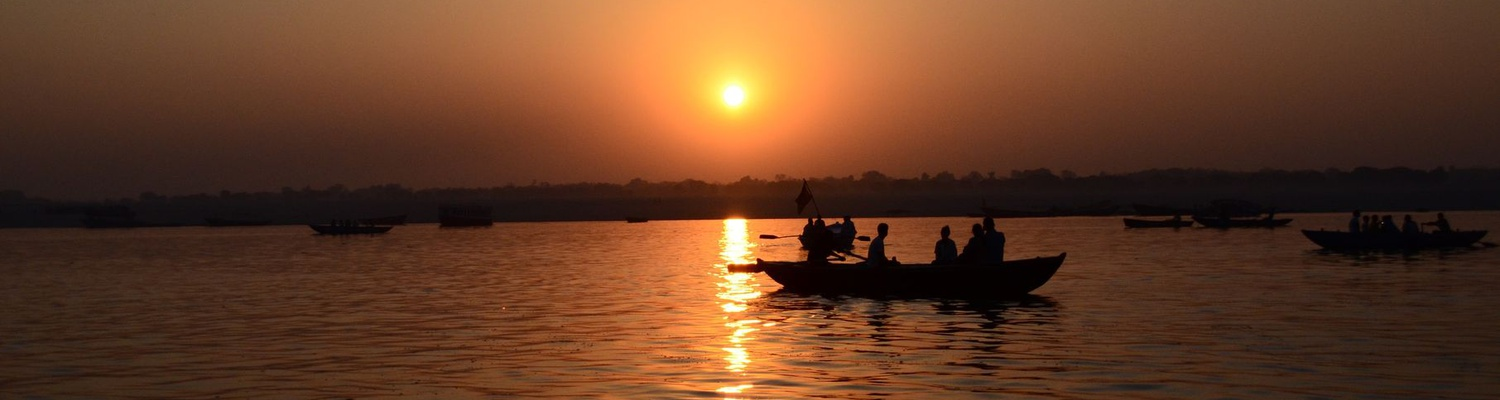 Boat trip on the Ganges at sunrise, Varanasi, Inida
