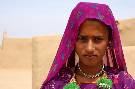 Young woman in the That Desert, Rajasthan, India